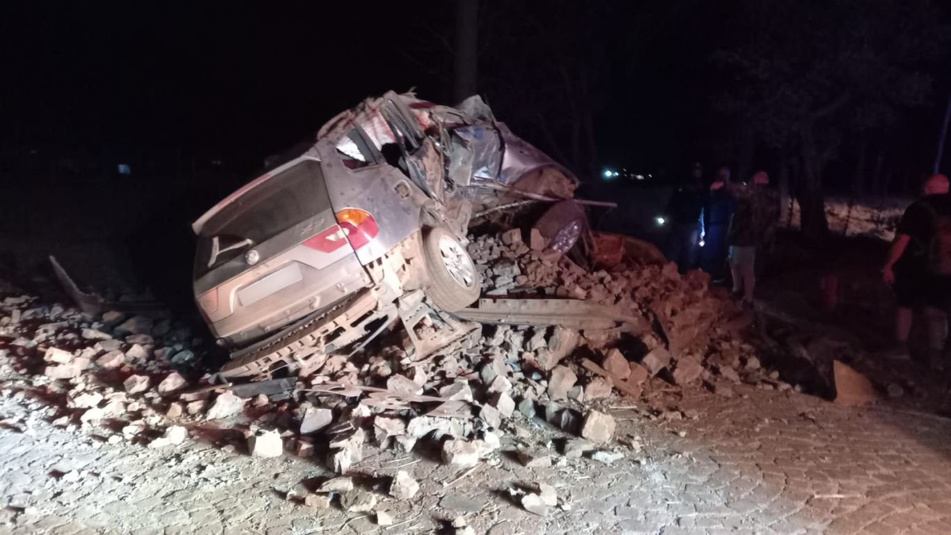 One dead, three injured in a vehicle rollover on the R557 in Apple Orchards